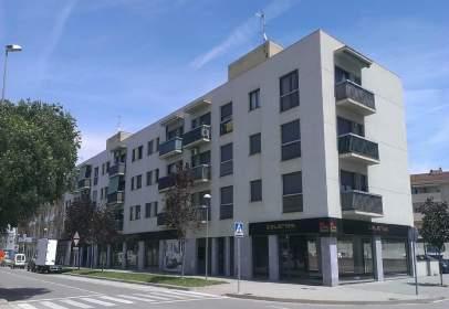 Local comercial en Avinguda Josep Tarradellas, 5
